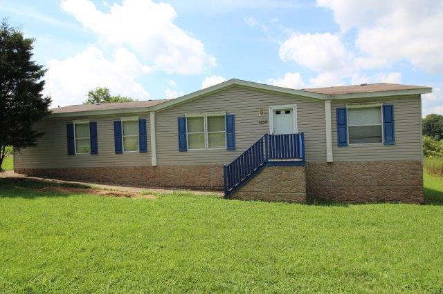 1137 Oak Knob Rd, Lafayette, TN 37083