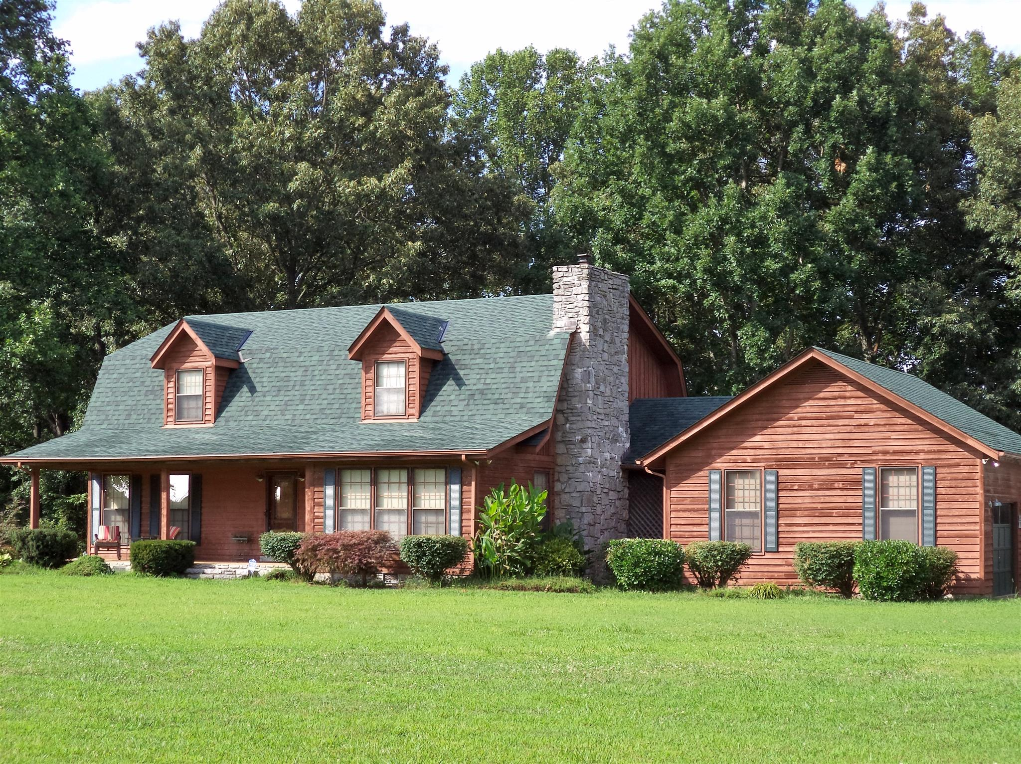 951 Carole Anne Dr, Woodbury, TN 37190