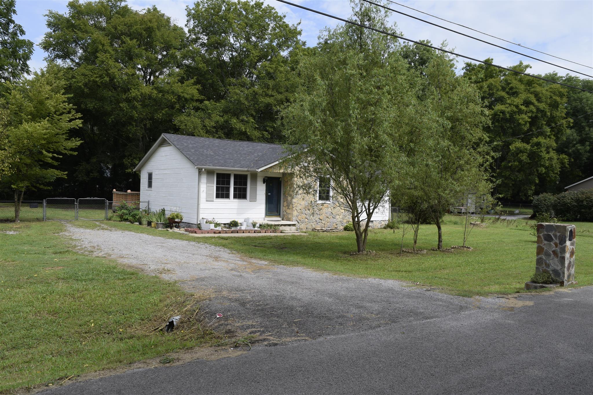 6703 Longview Dr, Murfreesboro, TN 37129
