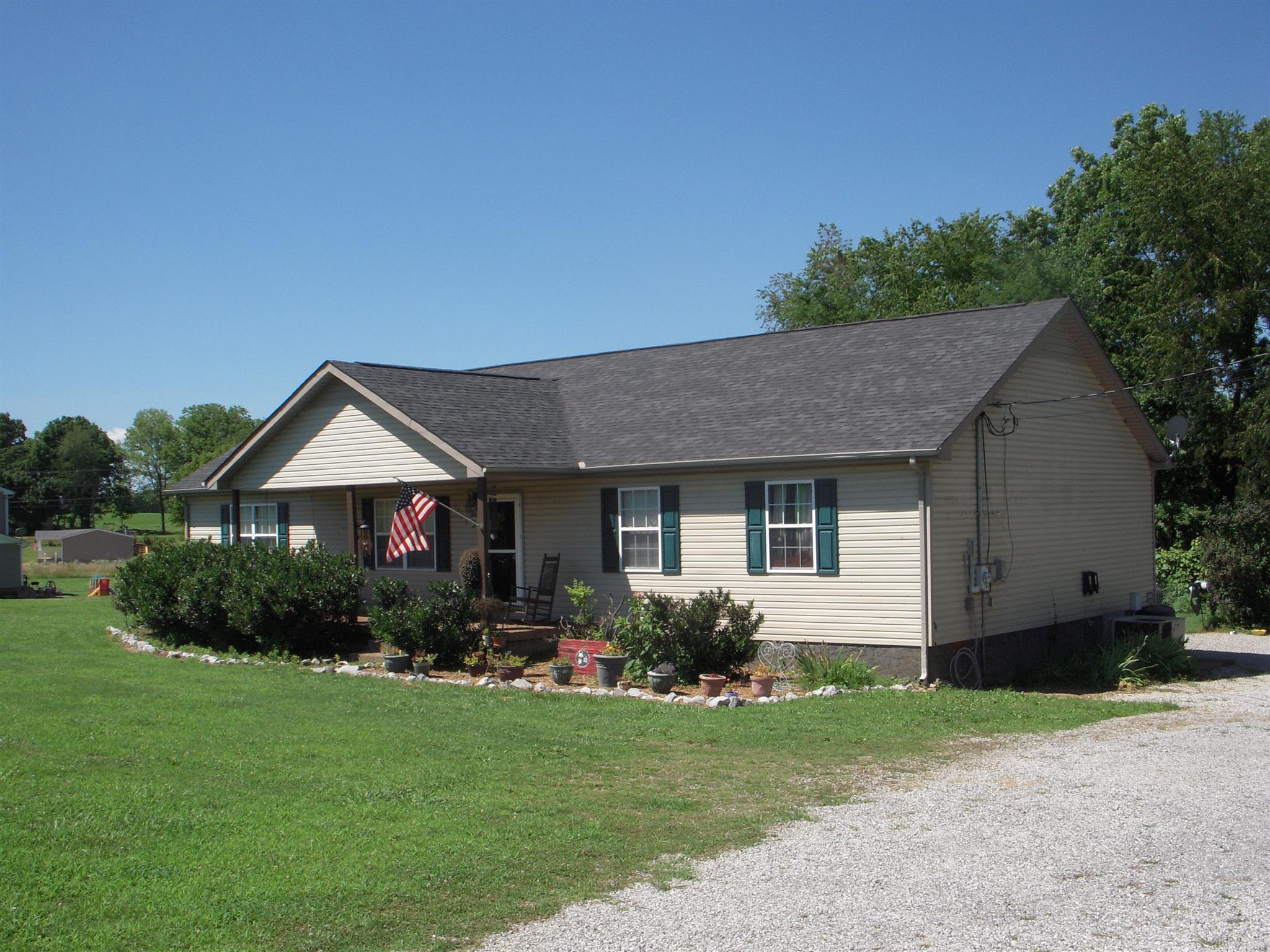 2383 Old Washington Rd, Cedar Hill, TN 37032