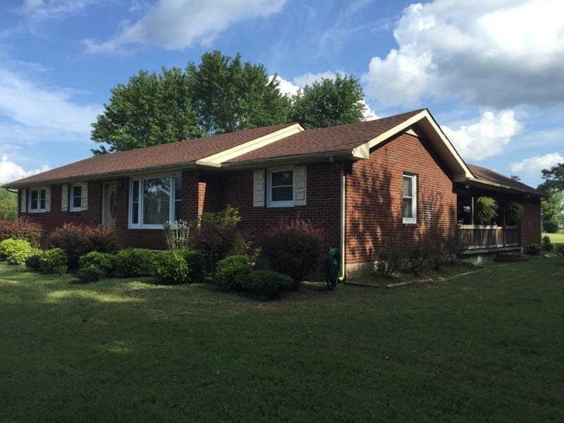 2364 Woodlawn Rd, Woodlawn, TN 37191