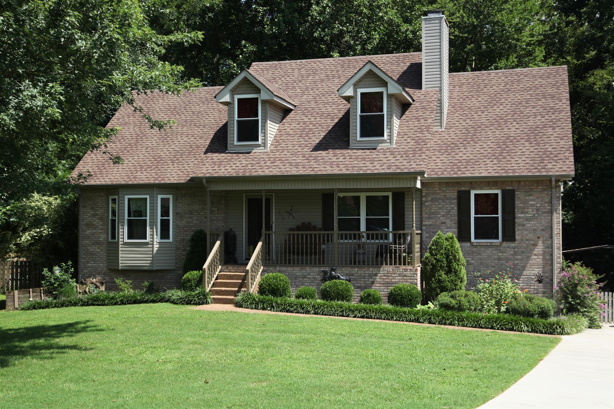 214 Beechbrook Ct, White House, TN 37188