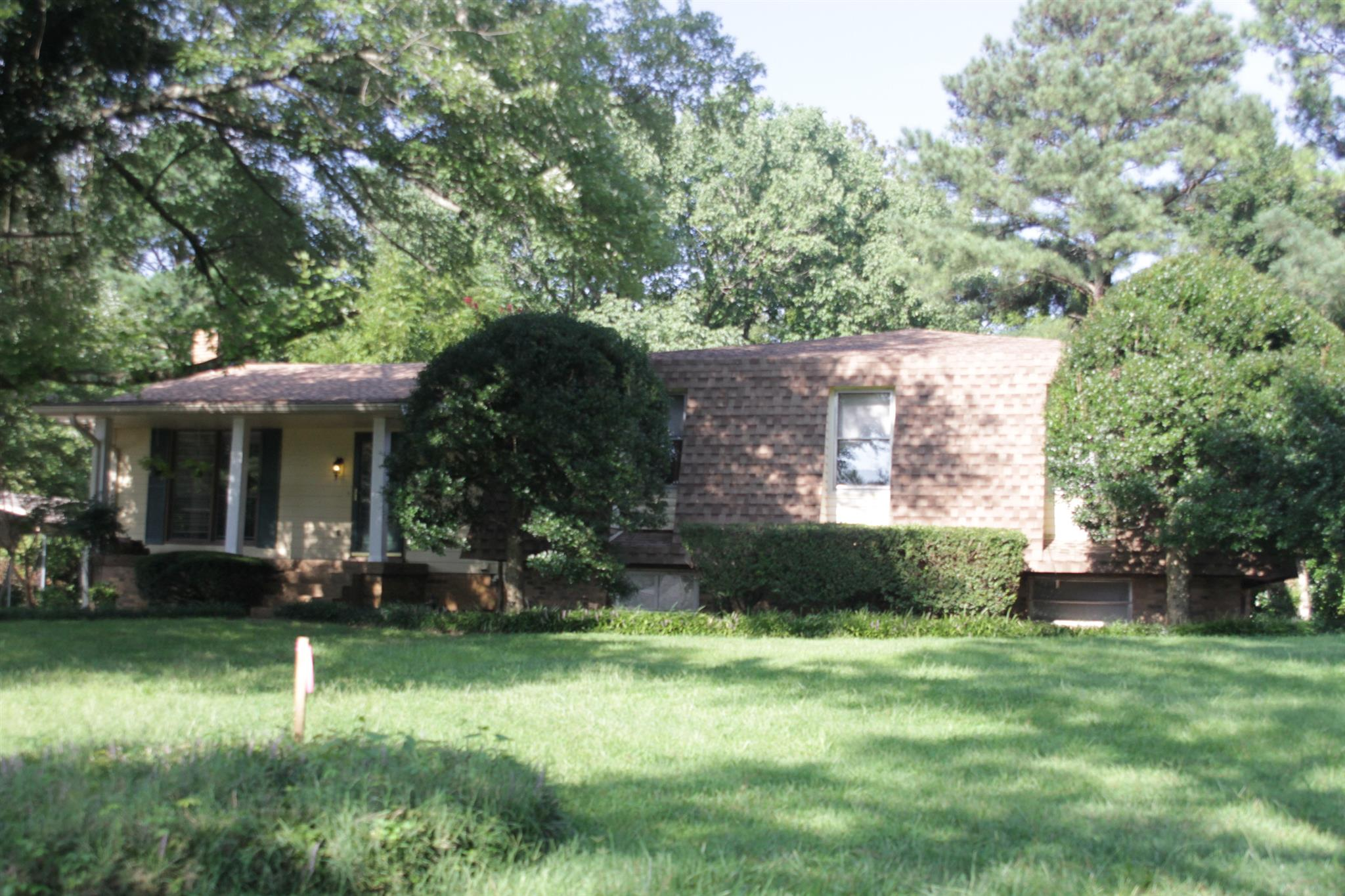 102 Robertson Rd, Ashland City, TN 37015