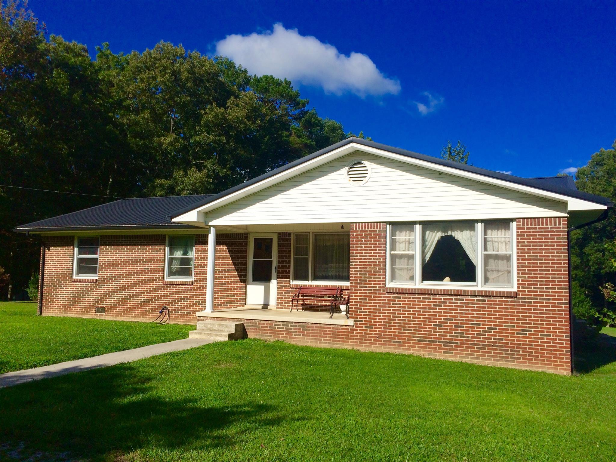 503 Main St, Palmer, TN 37365