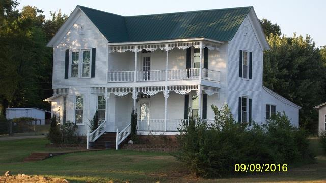 Photo of 421 Main St  Clifton  TN