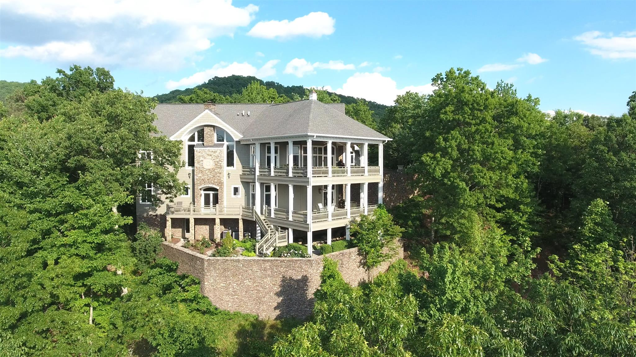1169 Little Round Top Way, Townsend, TN 37882