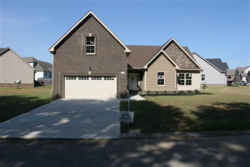 205 E Winterberry Trl, White House, TN 37188
