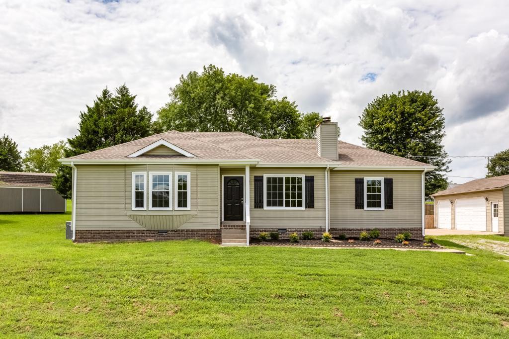 2351 Chester Harris Rd, Woodlawn, TN 37191