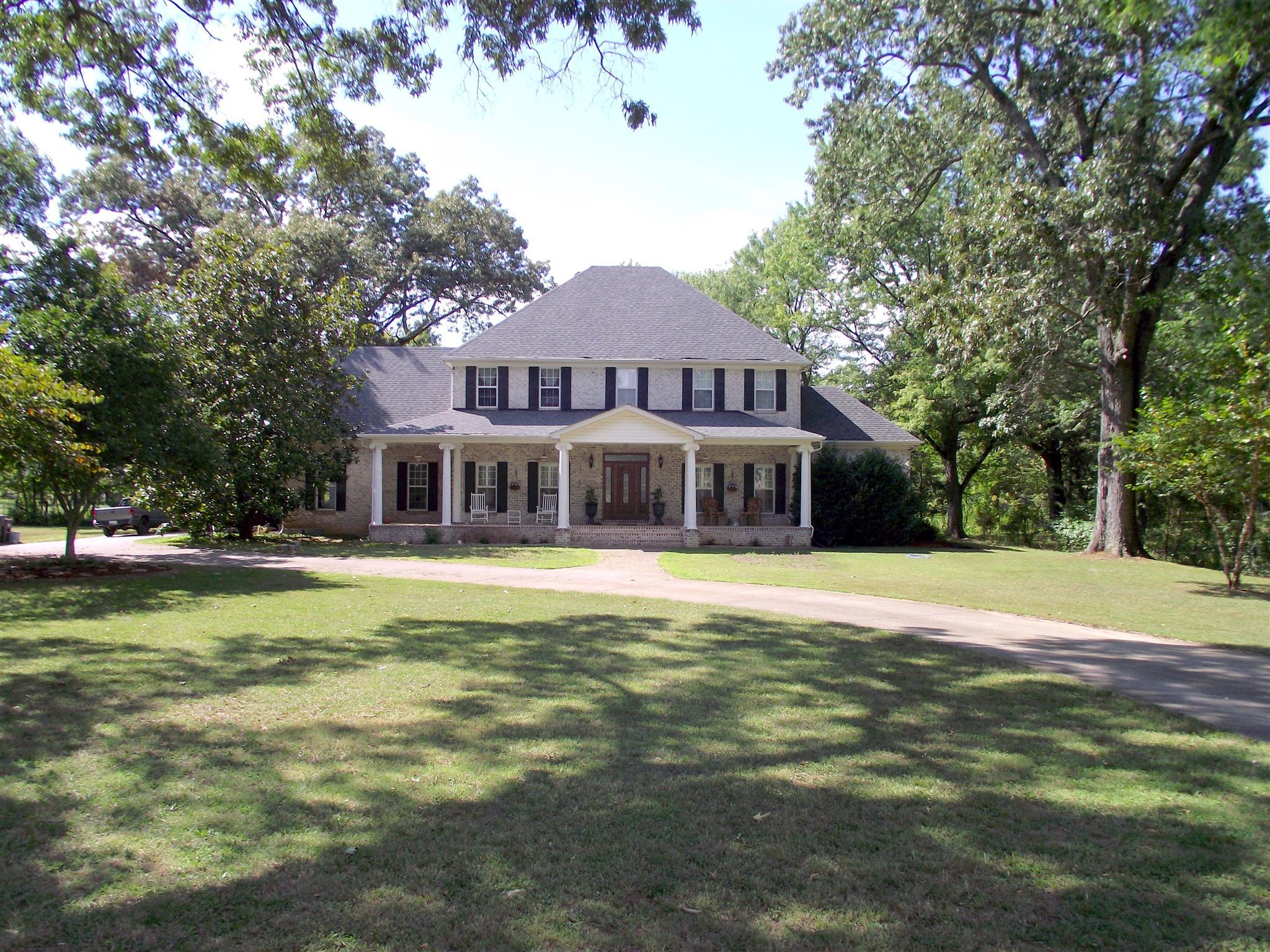 4652 Barfield Crescent Rd, Murfreesboro, TN 37128