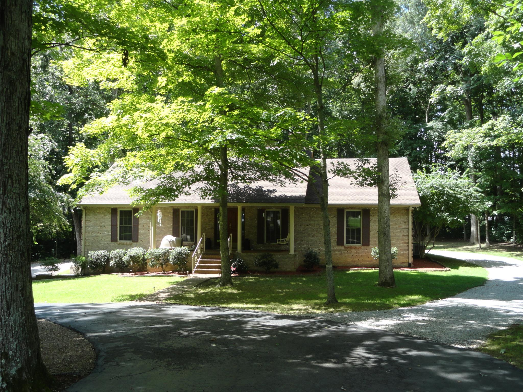 1149 Windmere Ln, Greenbrier, TN 37073