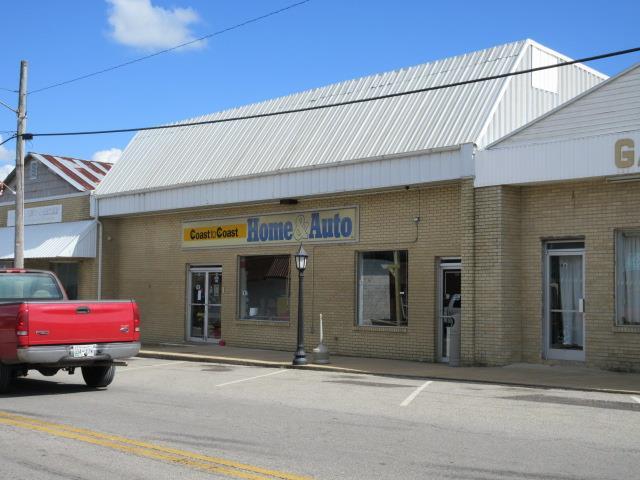 202 E Broadway St, Collinwood, TN 38450