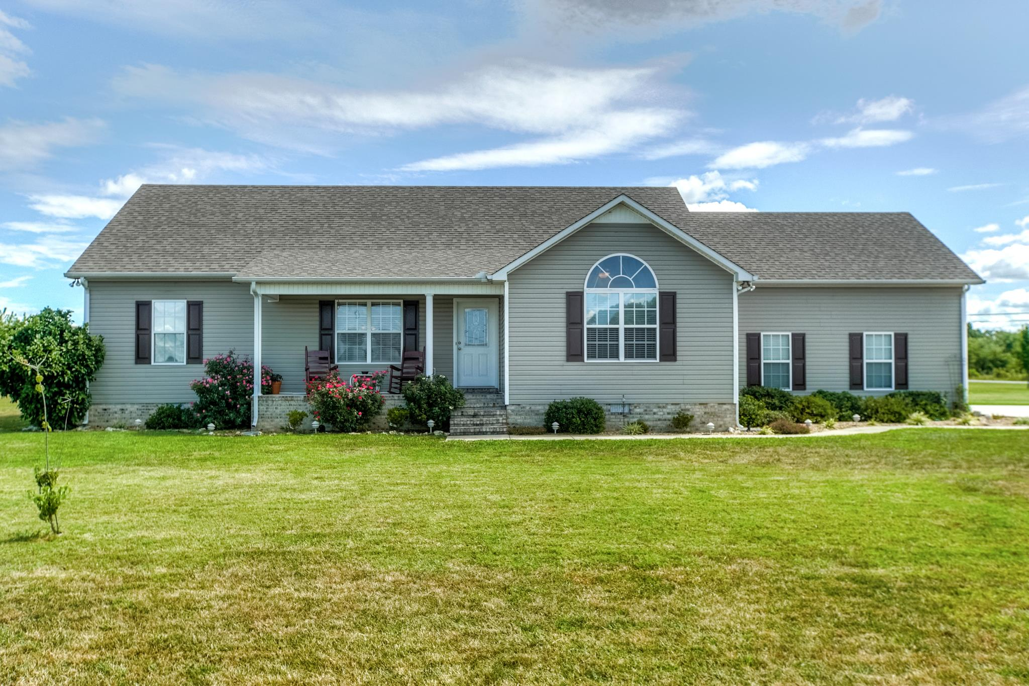 278 Riddle Rd, Manchester, TN 37355