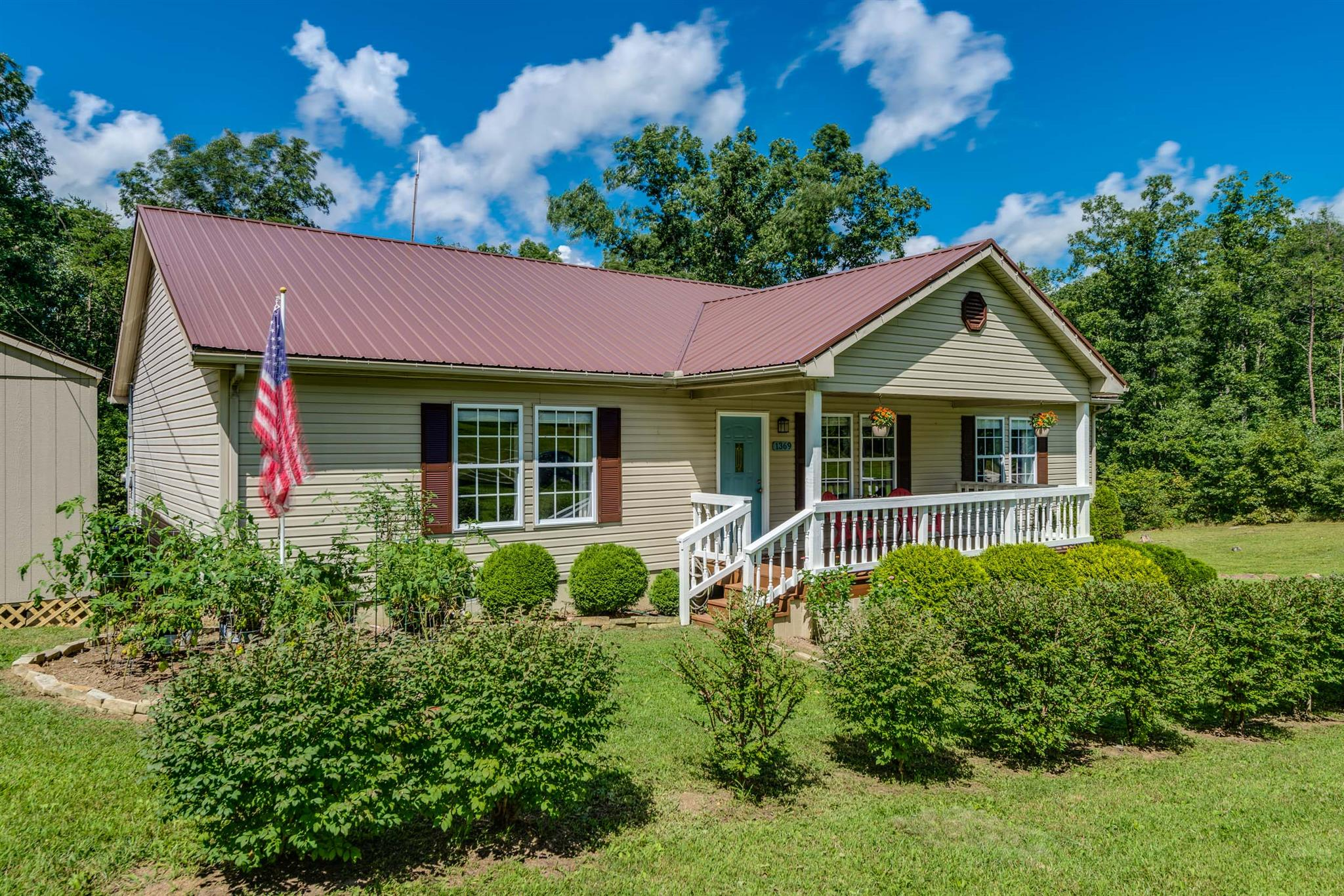 1369 Old Bean Shed Rd, Clarkrange, TN 38553
