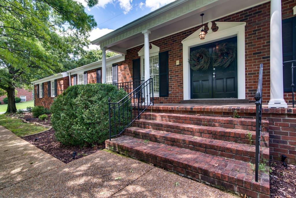 Photo of 828 Forest Hills Dr  Nashville  TN