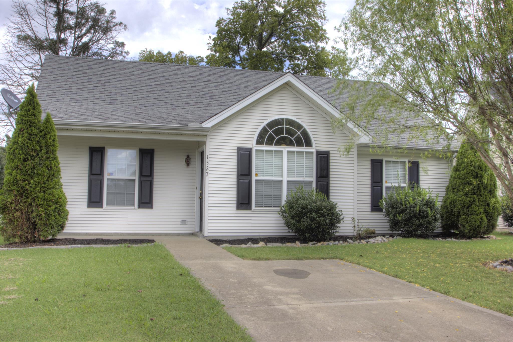 1527 Rochester Dr, Murfreesboro, TN 37130