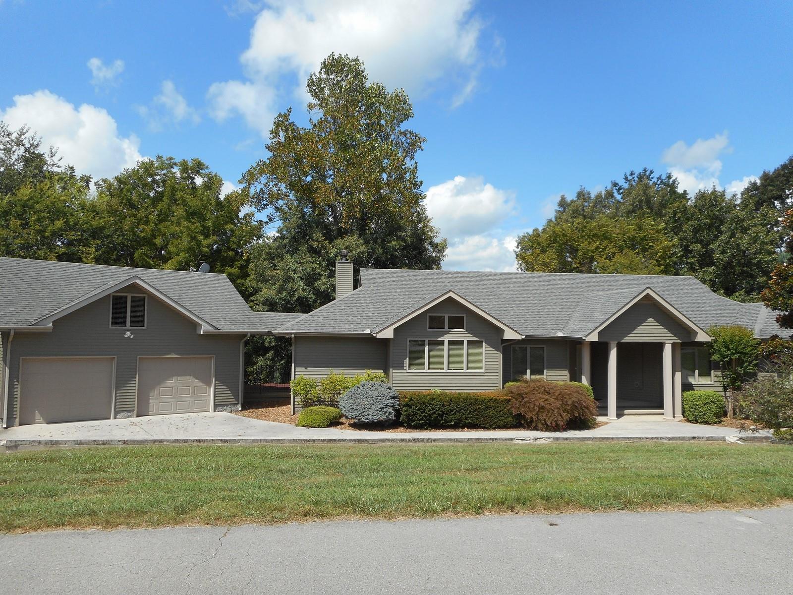 365 Bluff Dr, Winchester, TN 37398