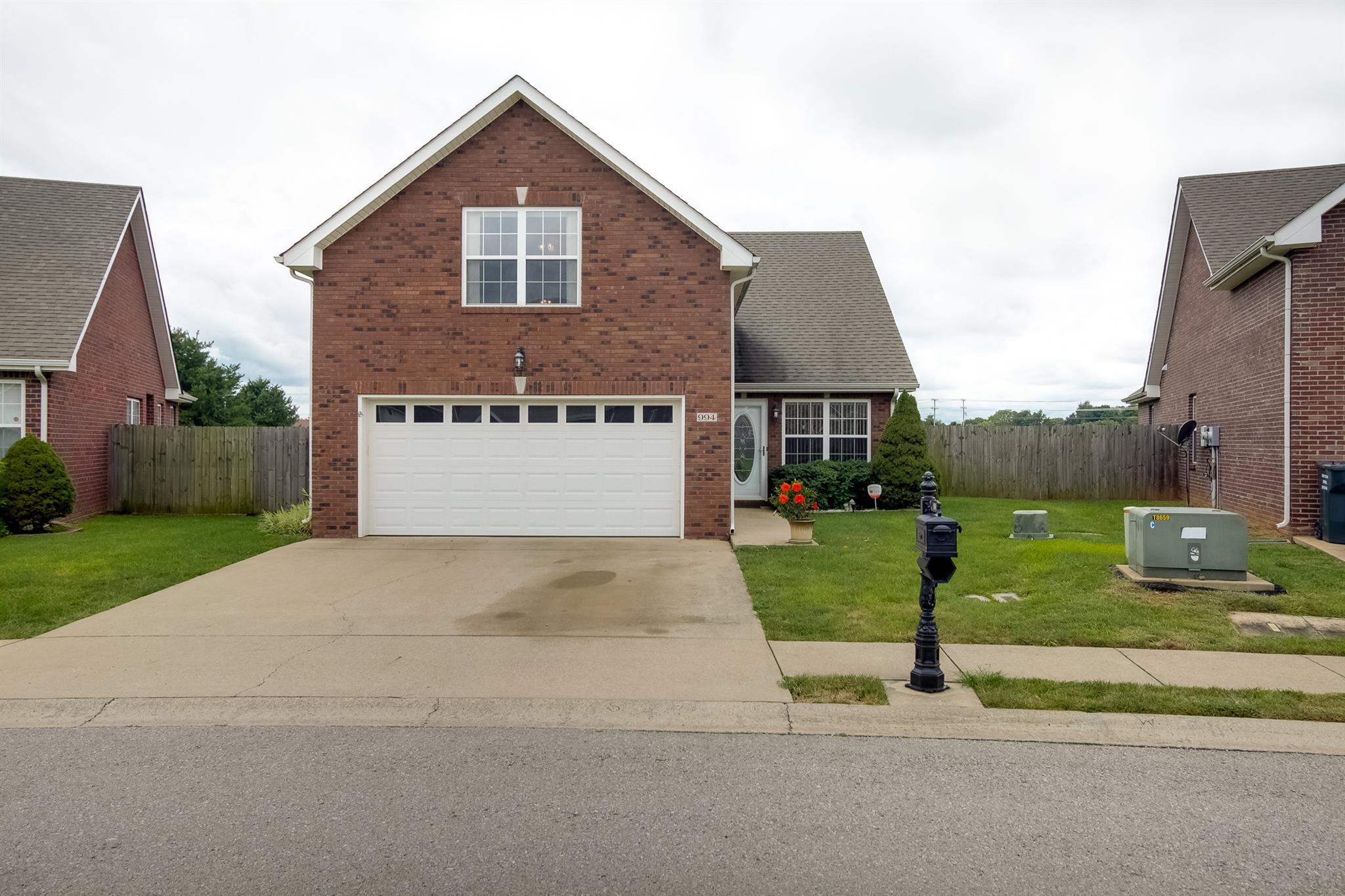 994 Culverson Ct, Clarksville, TN 37040