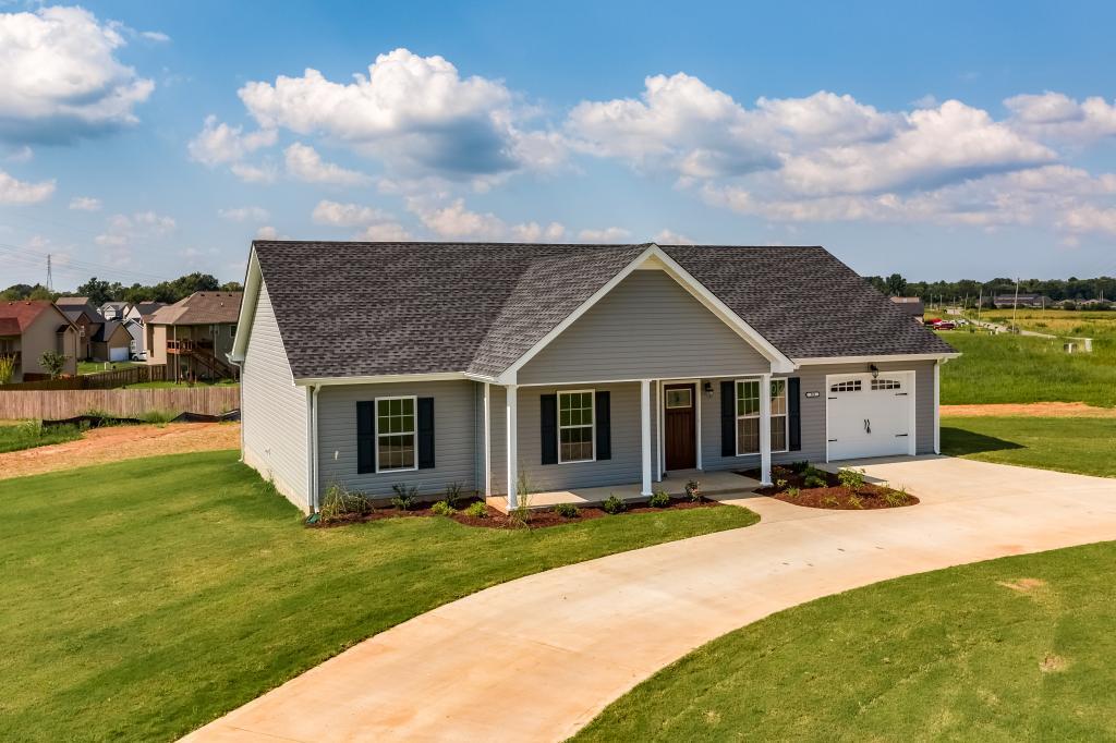 501 Tracy Ln, Clarksville, TN 37040