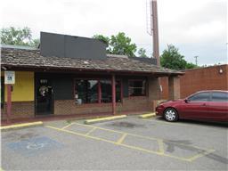 651 N Riverside Dr, Clarksville, TN 37040