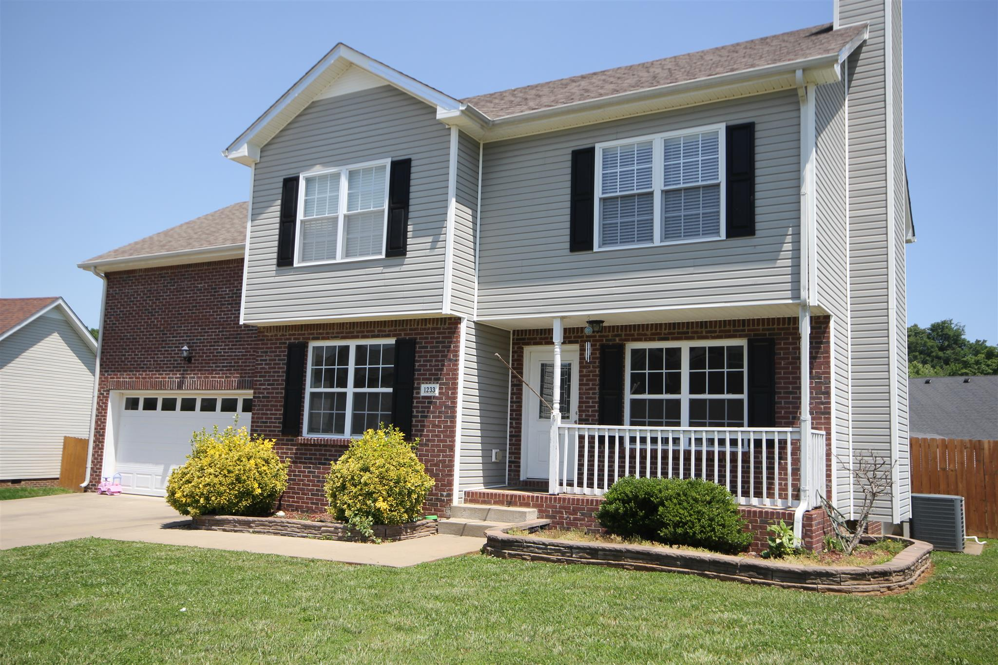 1233 Channelview Dr, Clarksville, TN 37040