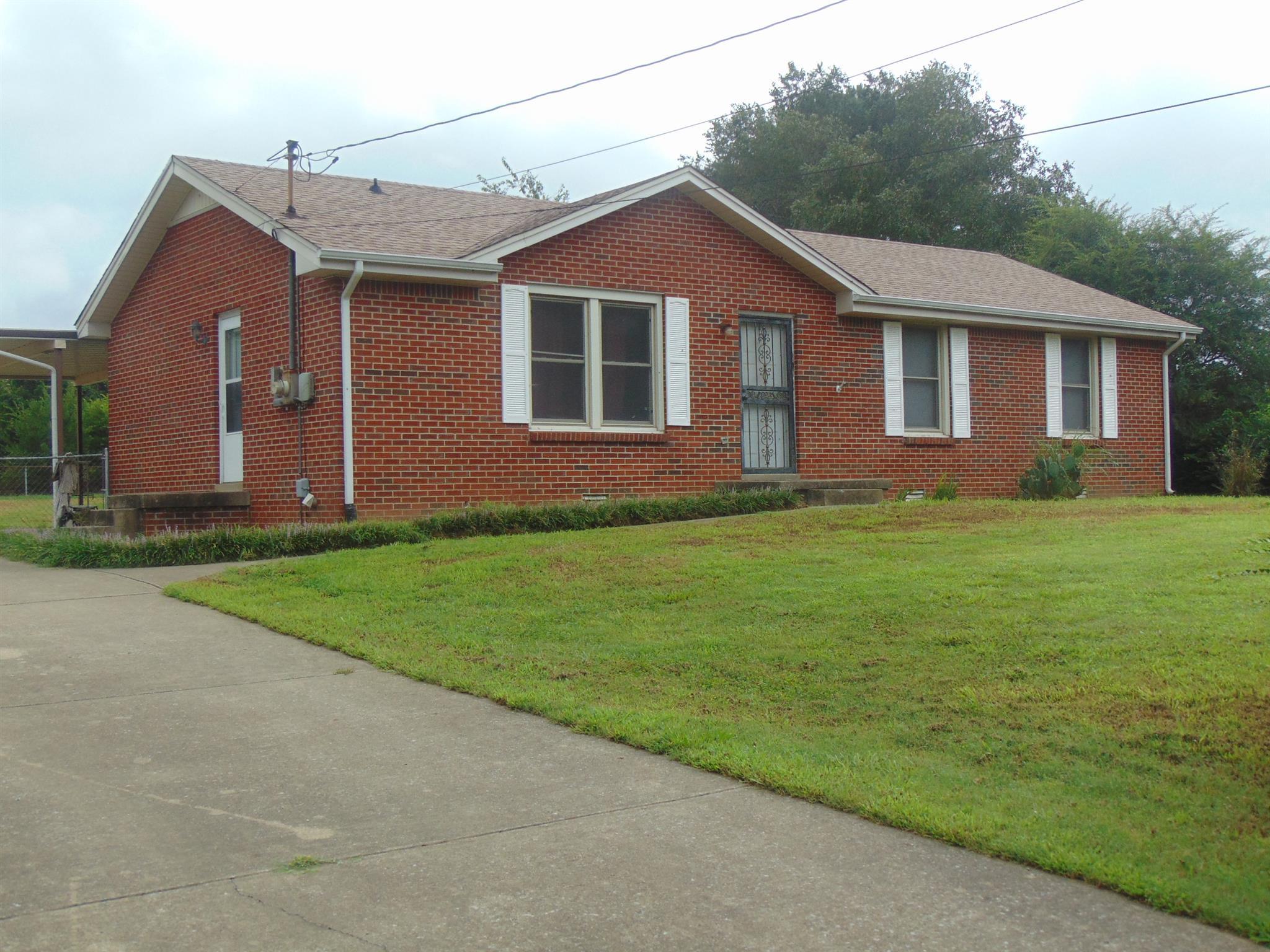 517 Overton Dr, Clarksville, TN 37042