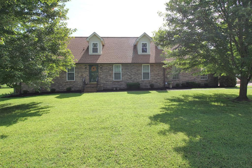 212 Lone Oak Dr, White House, TN 37188