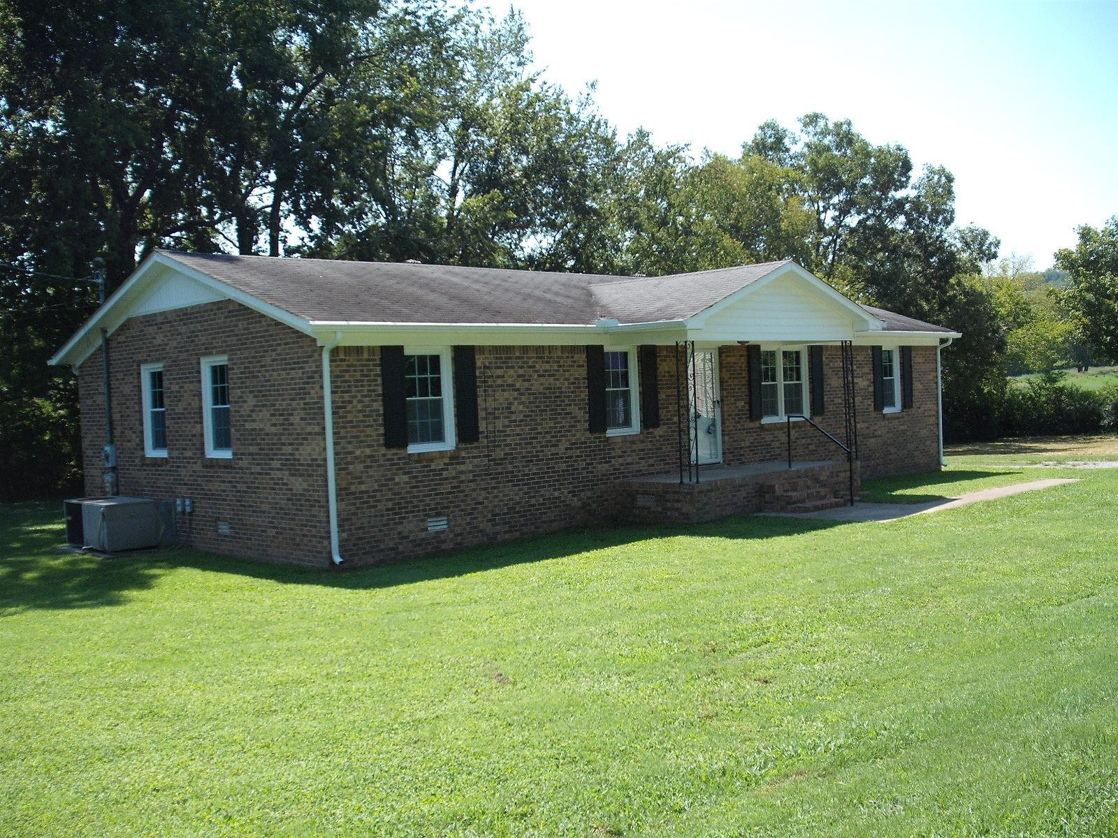 208 W Hill St, Cornersville, TN 37047