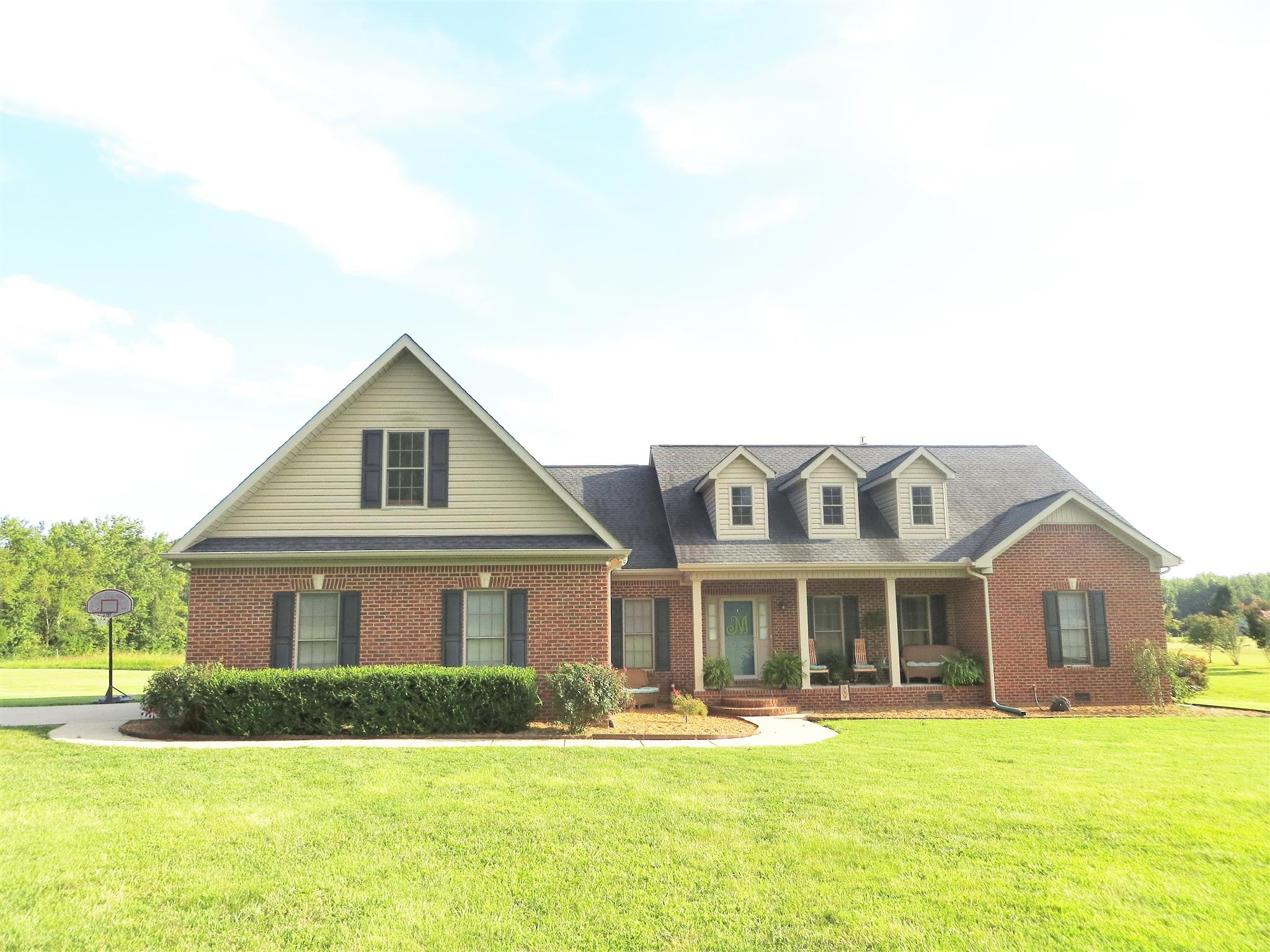142 Camargo Rd, Fayetteville, TN 37334