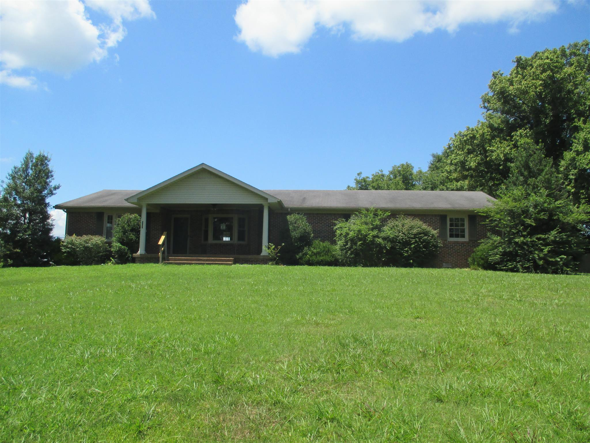 2237 Forks River Rd, Waverly, TN 37185