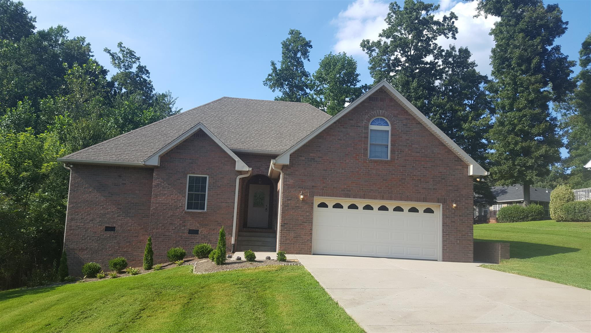 985 Mayes Dr, Greenbrier, TN 37073