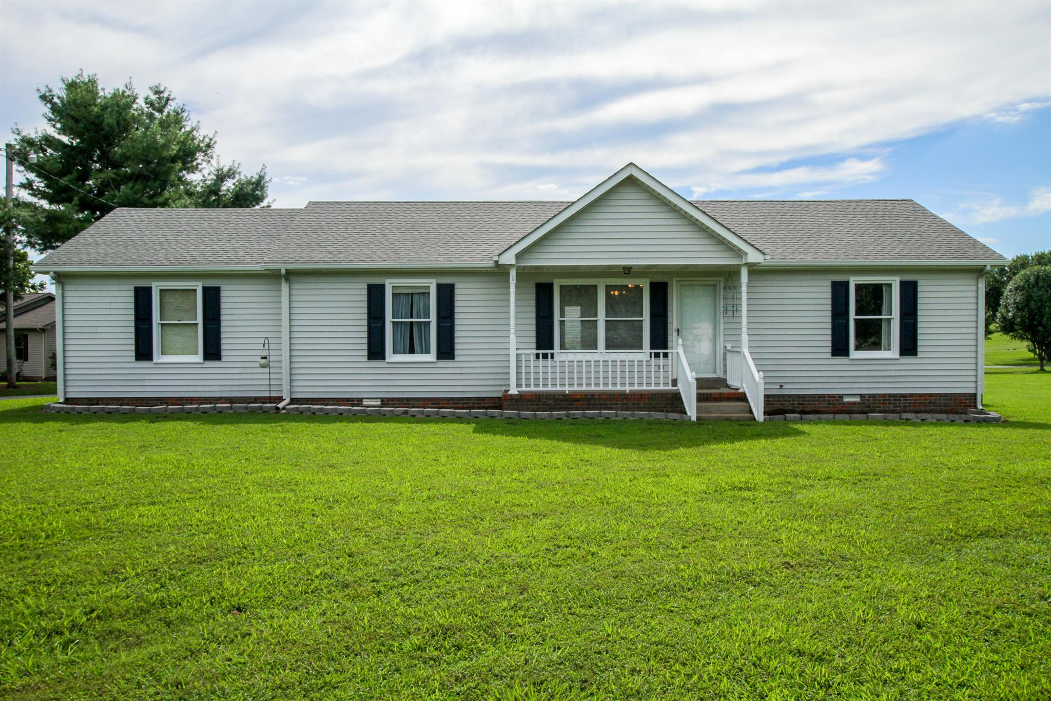Photo of 3902 Armstrong Rd  Springfield  TN