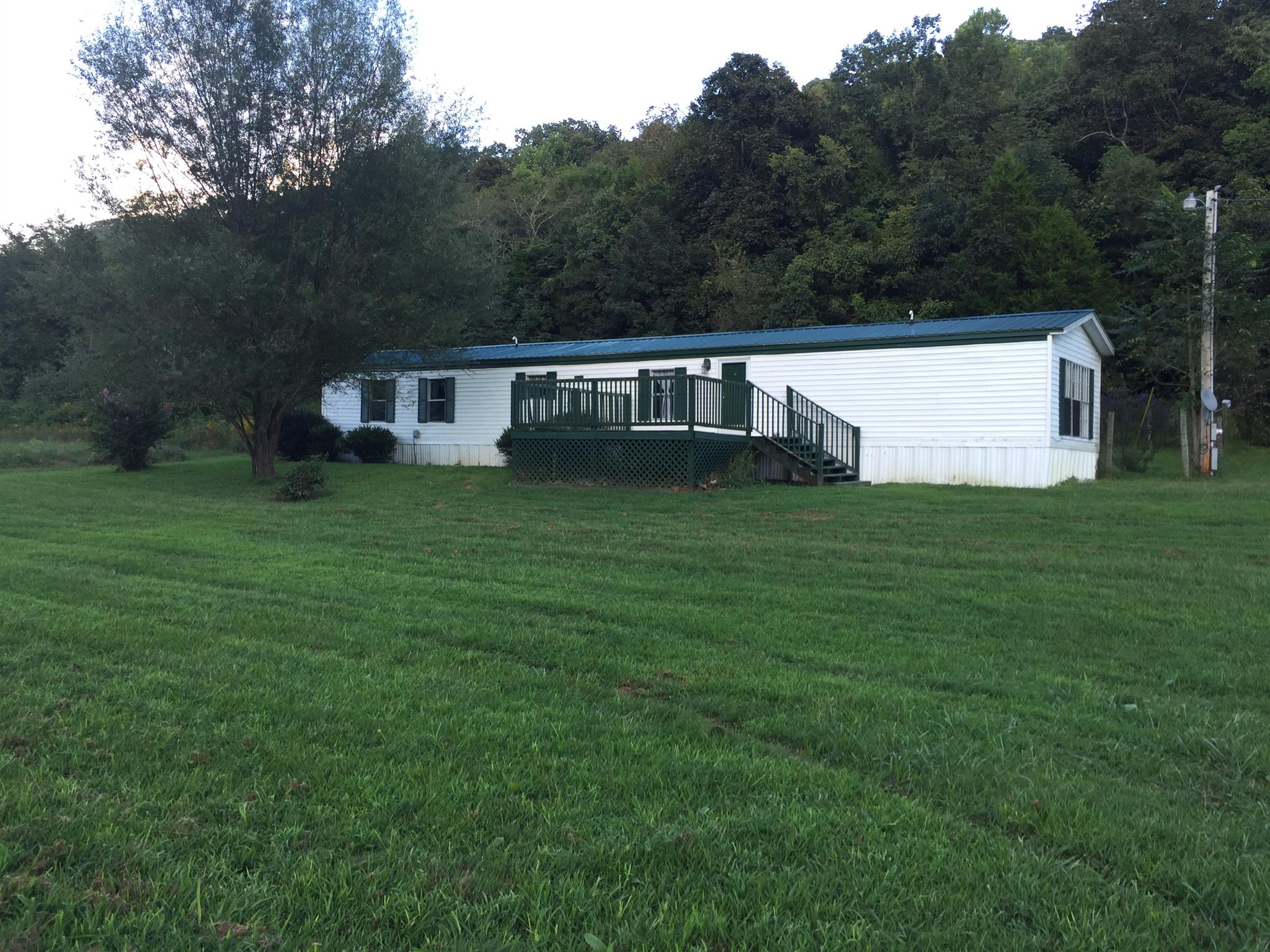 1212 Love Hollow Rd, Hartsville, TN 37074