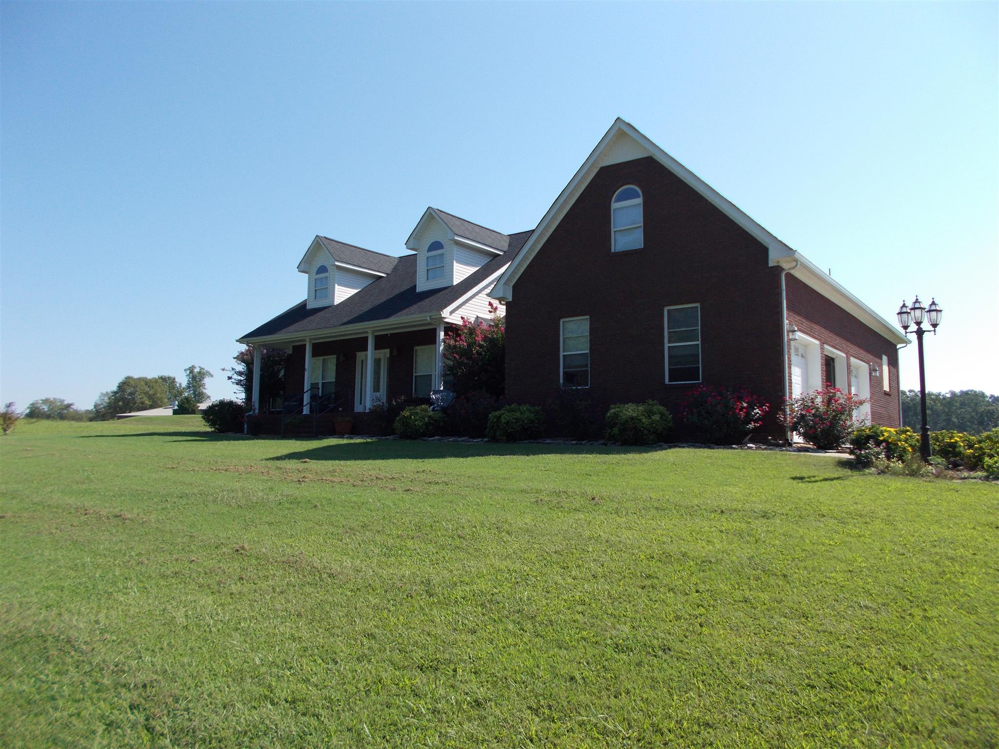 179 Fairway Cir, Loretto, TN 38469