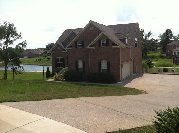 112 Ten Oaks Dr E, Hendersonville, TN 37075