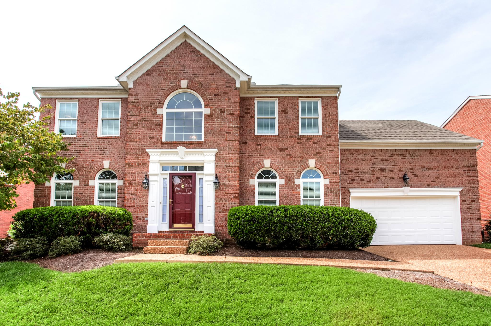 Photo of 121 Bluebell Way  Franklin  TN