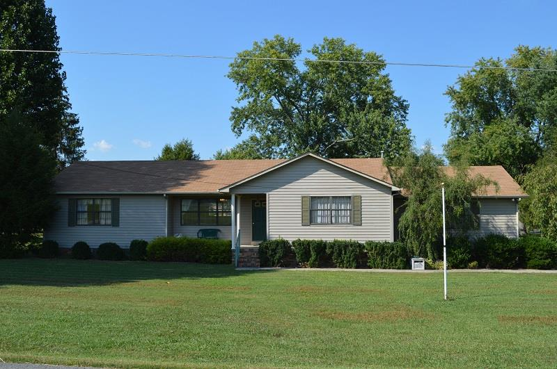 318 Woodland Dr, Decherd, TN 37324