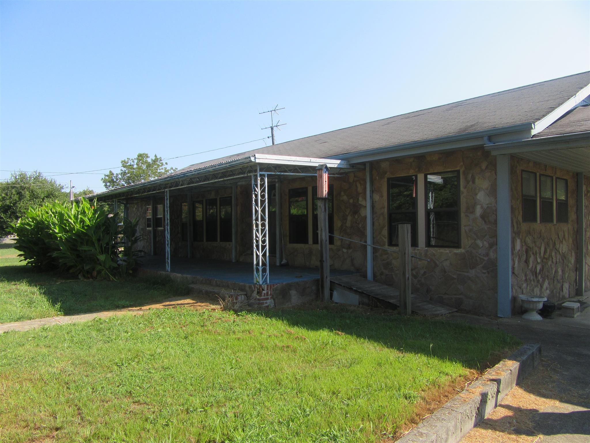 902 Trussell Rd, Monteagle, TN 37356