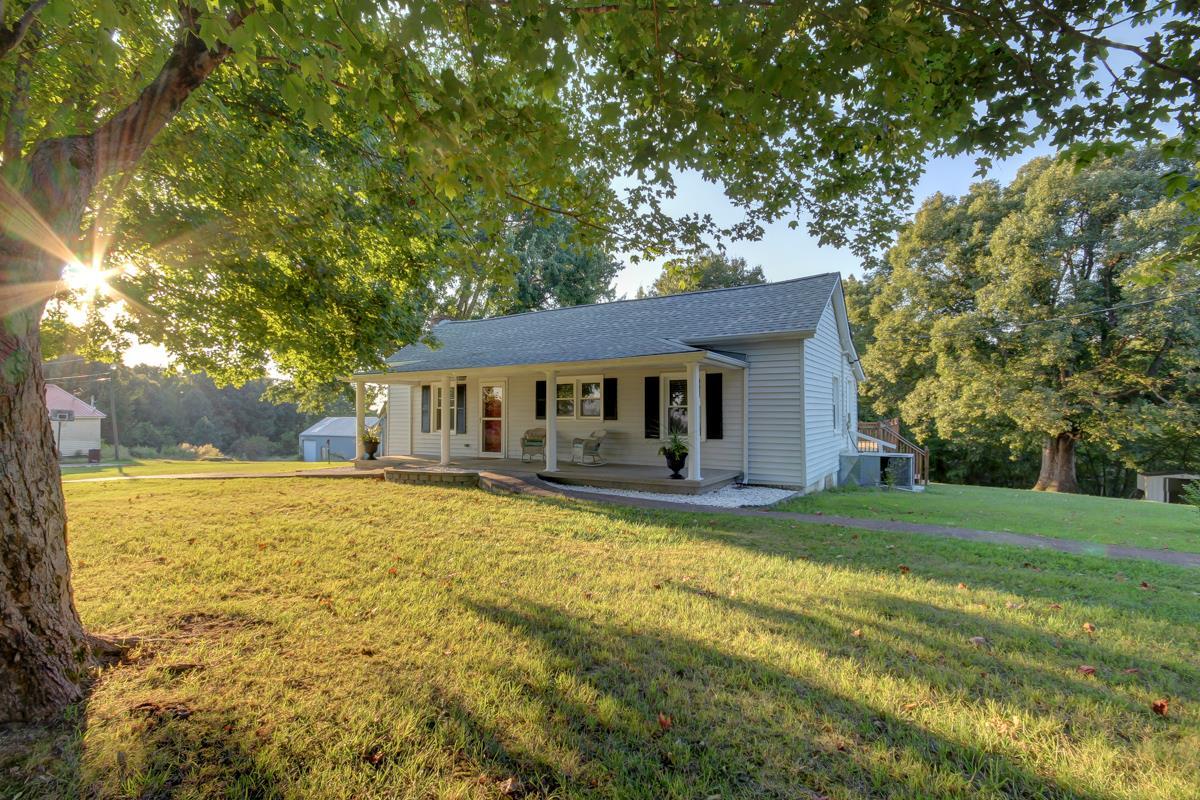 4088 Lylewood Rd, Woodlawn, TN 37191