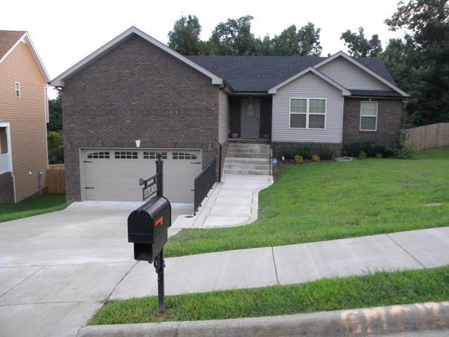 1152 Stillwood Dr, Clarksville, TN 37042
