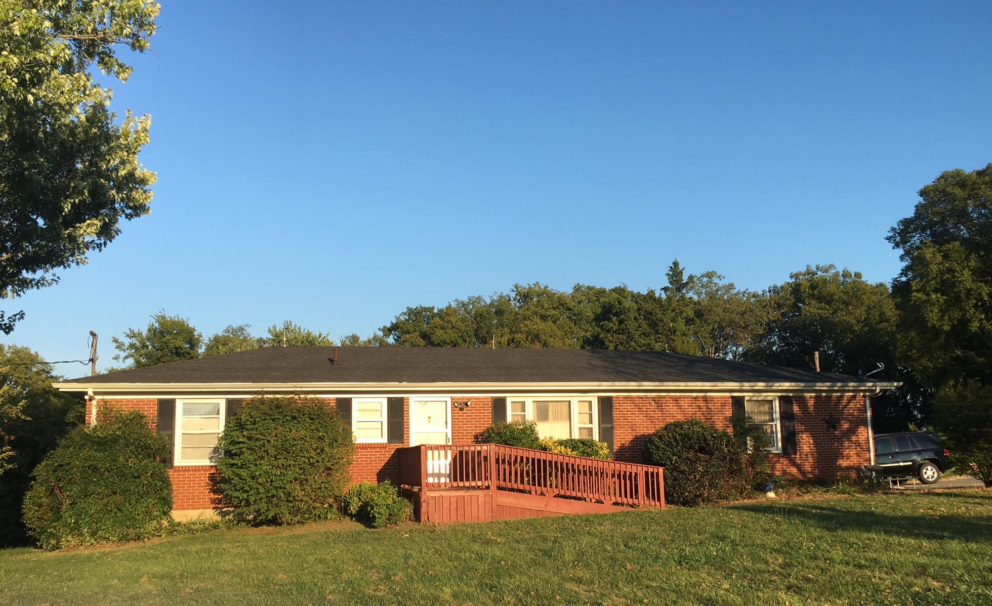 686 N Main St, Eagleville, TN 37060