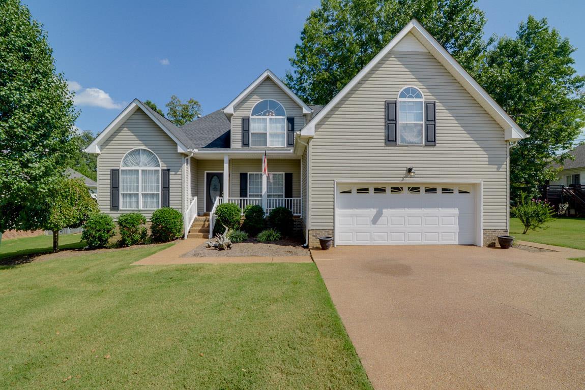 102 Hunterwood Ct, White House, TN 37188