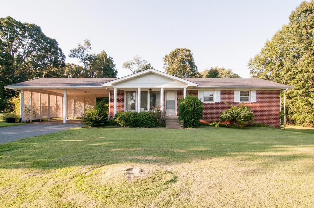 2330 Skyview Dr, Centerville, TN 37033