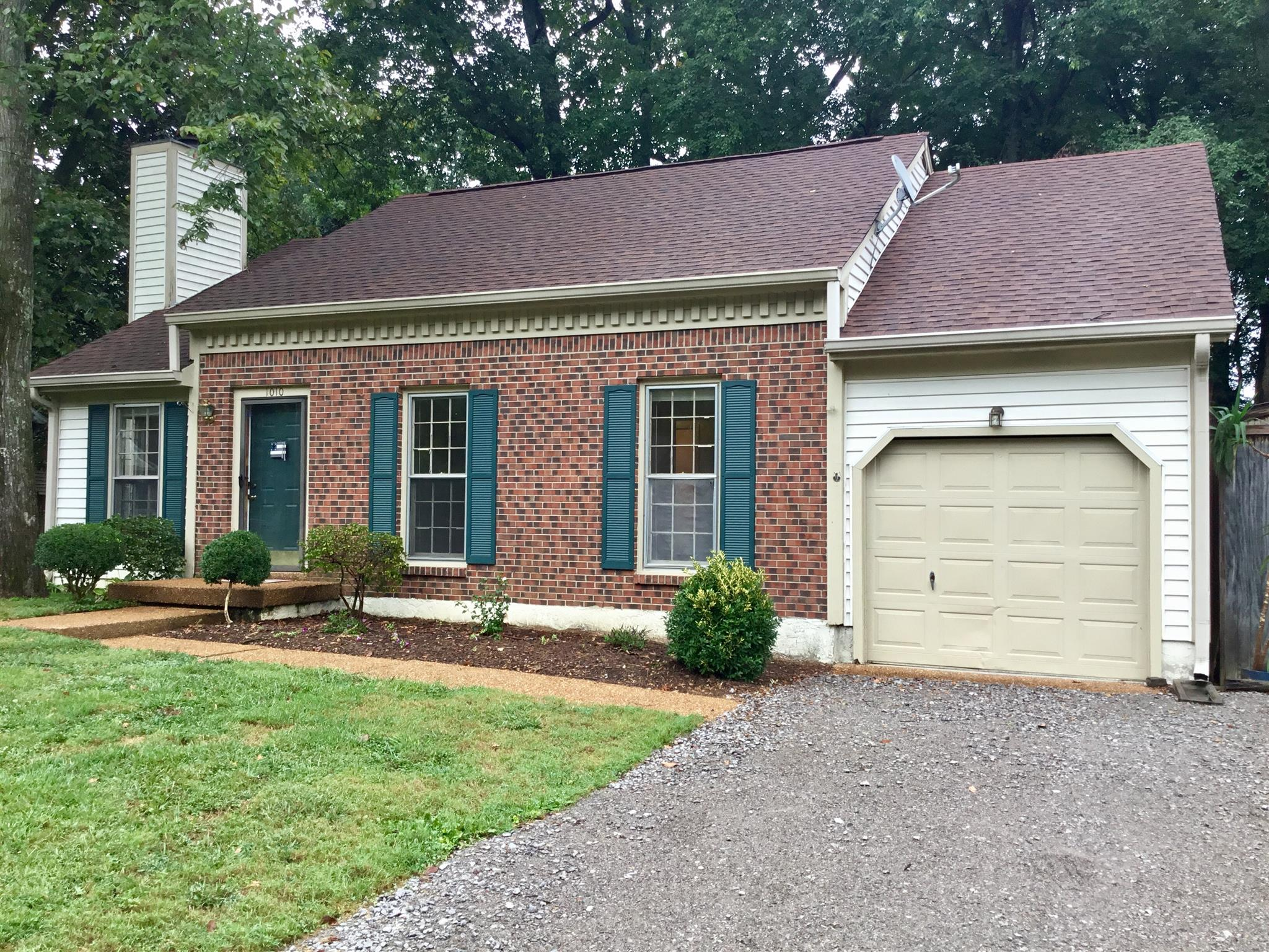 Photo of 1010 Rolling Meadow Dr  Mount Juliet  TN