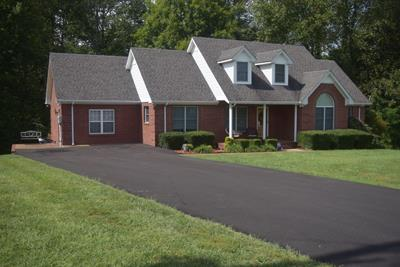 325 Deer Park Ln, Lafayette, TN 37083