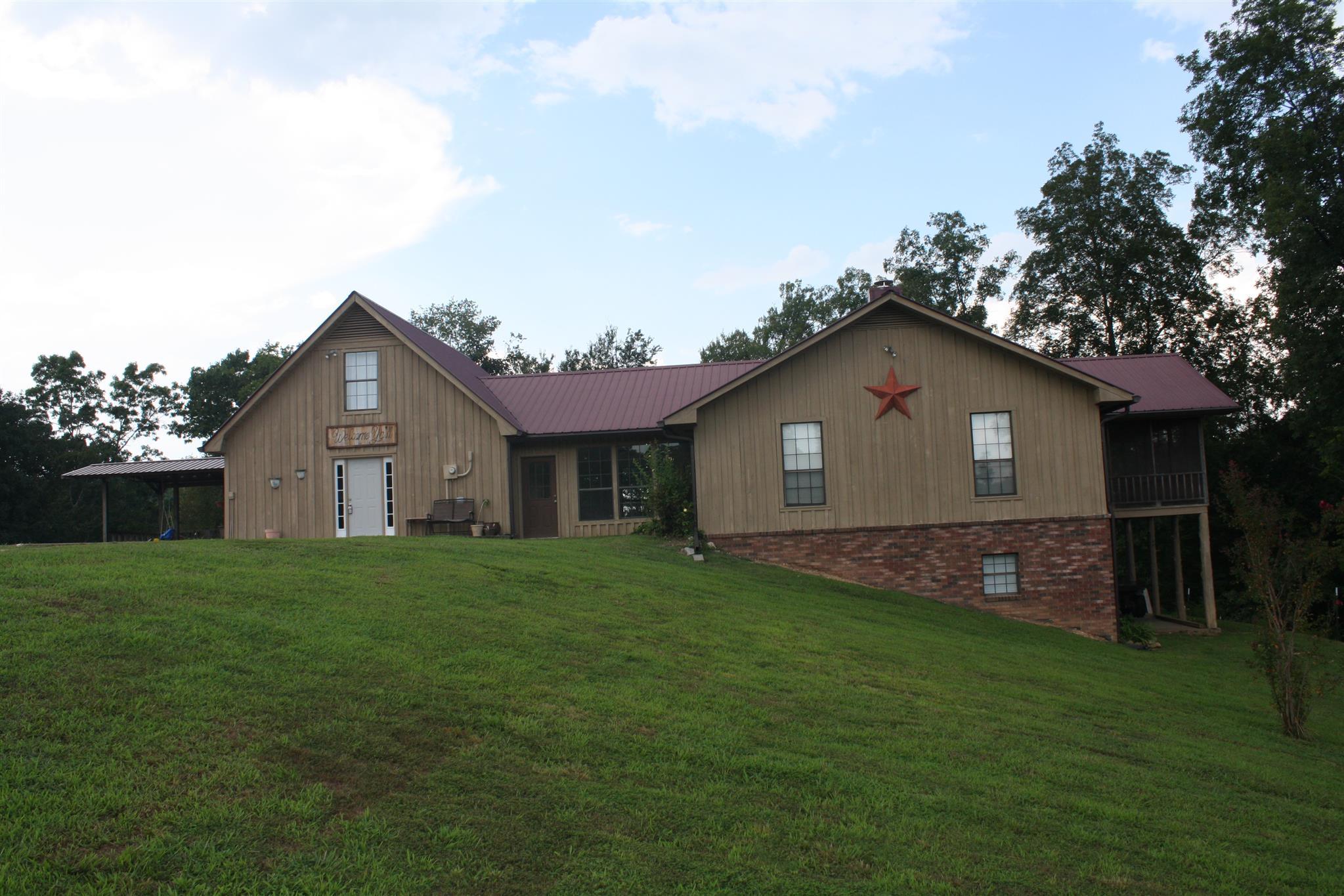 7015 Story Rd, Collinwood, TN 38450