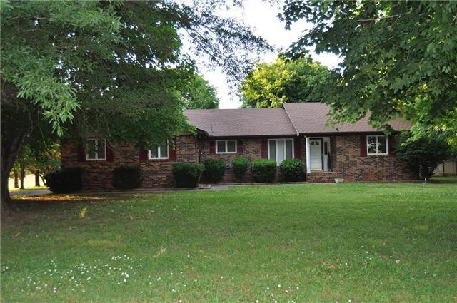 85 Woodcrest Dr, Winchester, TN 37398