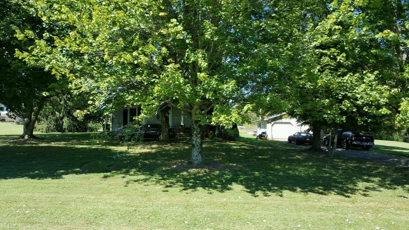 1691 Oakdale Rd, Westmoreland, TN 37186