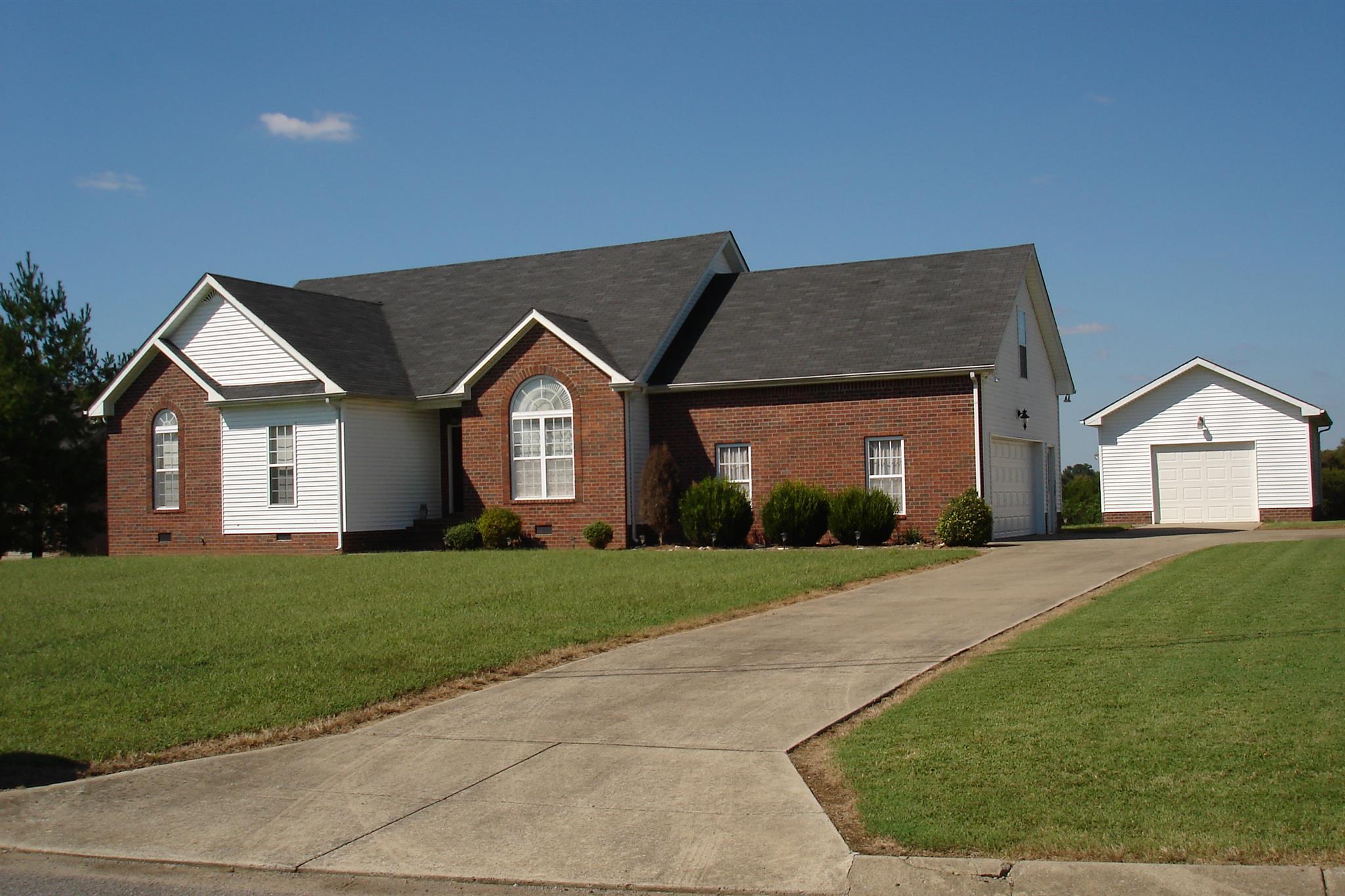 Photo of 1011 Hiltonwood Blvd  Castalian Springs  TN