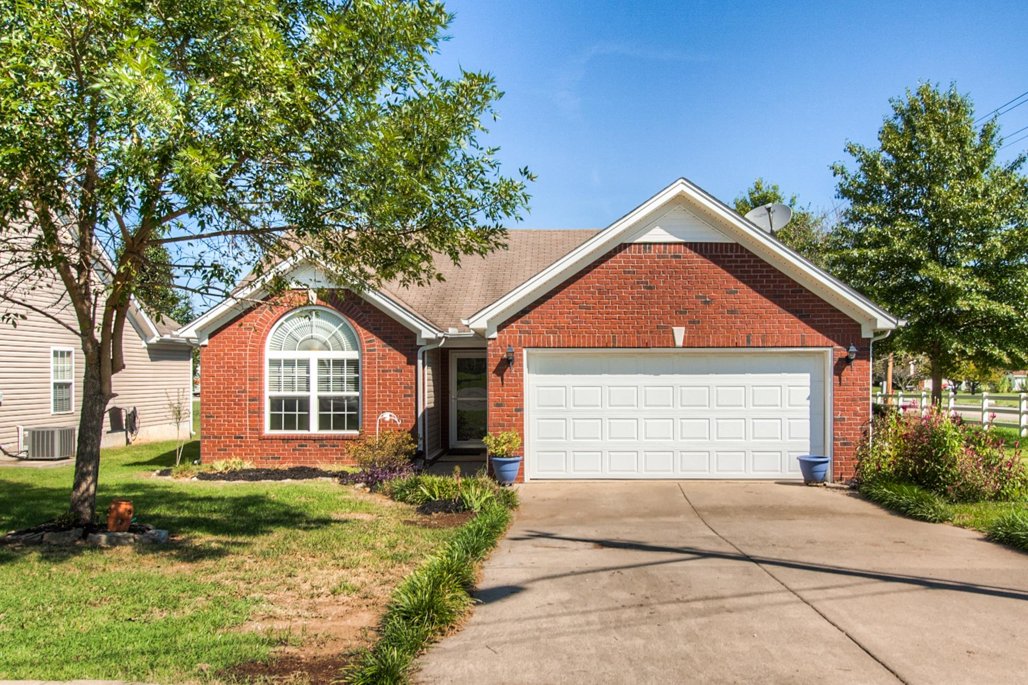 5033 Deer Creek Ct, Spring Hill, TN 37174