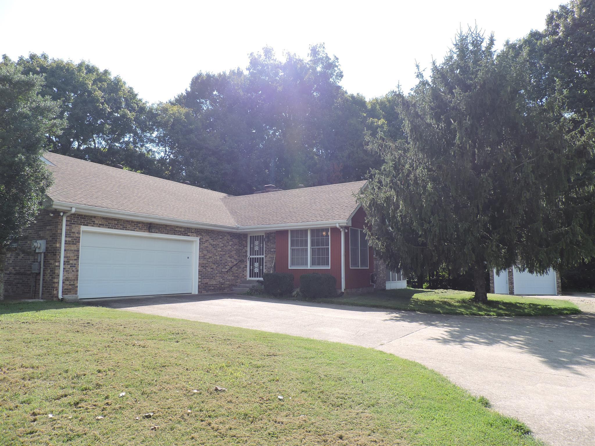 2952 Nicole Rd, Clarksville, TN 37040